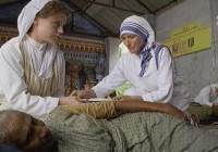Film: Matka Tereza – Pero v Boží ruce / Mother Teresa of Calcutta (2003)